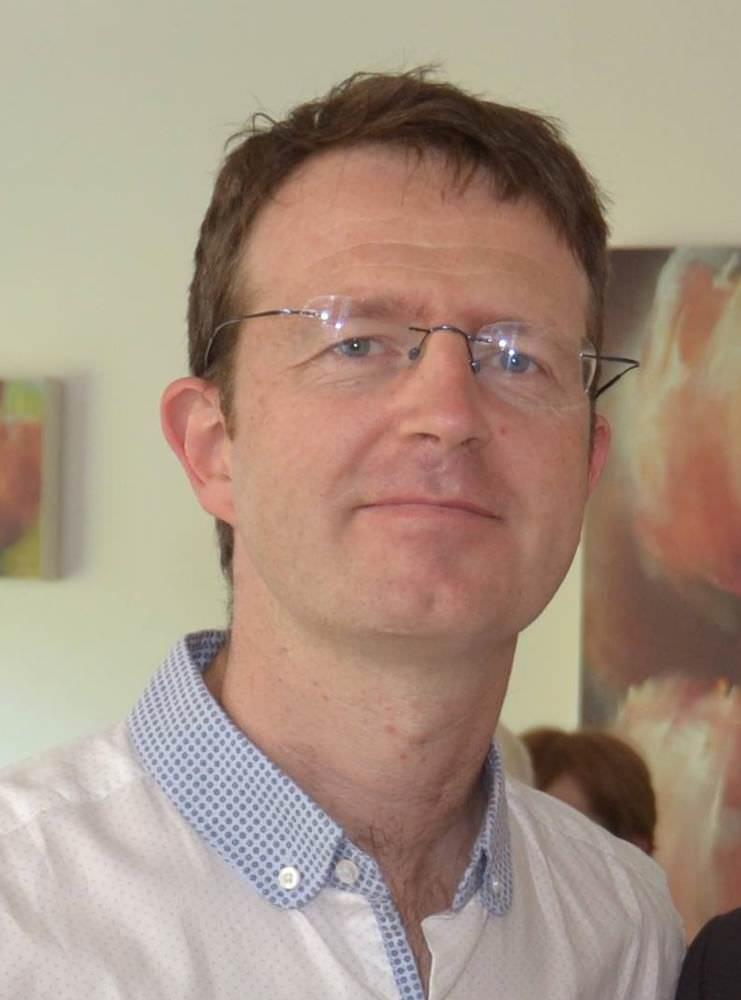 dr-kevin-mcdonald-hillside-hair-clinic-staff